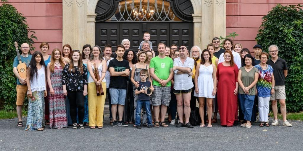 Účastníci kursů v Kuníně v roce 2019 (zdroj: Hudebni lahůdky, autor: www.fotoslechta.cz)